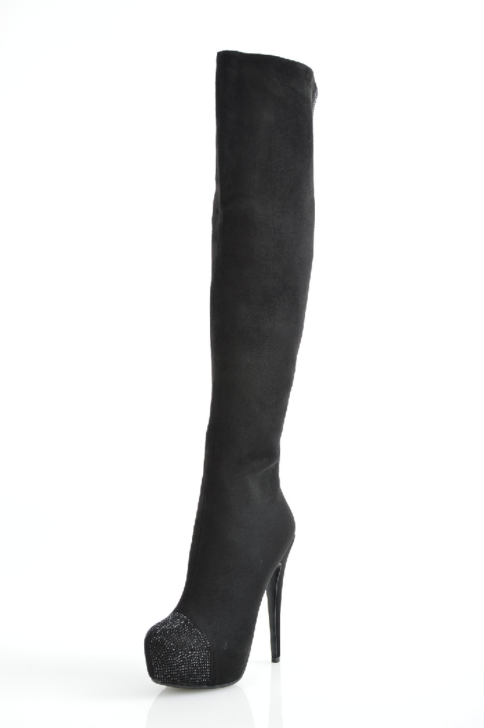 Ботфорты InarioЖенская обувь<br>Ботфорты от Inario выполнены из искусственного велюра черного цвета. Стелька и подкладка сделаны из теплого искусственного меха. Детали: боковая молния; высокий каблук-шпилька; скрытая платформа, мыс декорирован сверкающими стразами.<br> <br> Материал верха в...<br><br>Высота каблука: 15 см<br>Высота платформы: 4 см<br>Объем голени: 37 см<br>Материал: Натуральный велюр<br>Сезон: ВЕСНА/ОСЕНЬ<br>Коллекция: (Справочник &quot;Номенклатура&quot; (Общие)): Осень-зима<br>Пол: Женский<br>Возраст: Взрослый<br>Цвет: Черный<br>Размер RU: 38