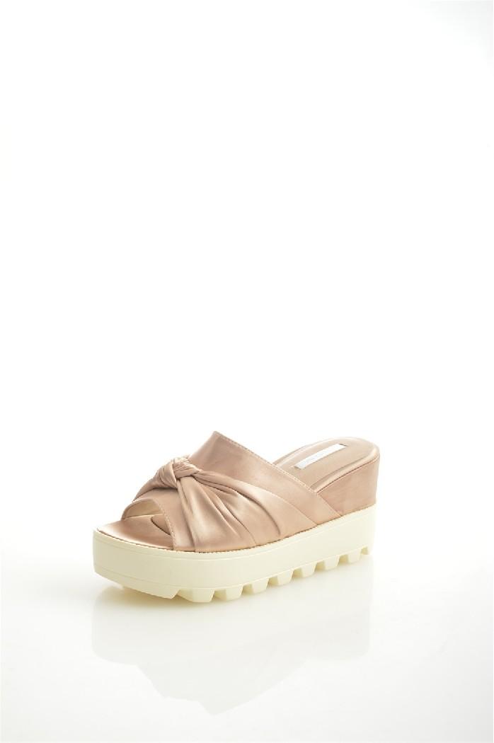 Сабо LOST INKЖенская обувь<br>Материал верха: текстиль<br> Внутренний материал: искусственная кожа<br> Материал подошвы: полимер<br> Материал стельки: искусственная кожа<br> Высота каблука: 8 см<br> Высота платформы: 3.5 см<br> Сезон: лето<br> Цвет: розовый<br> <br> Страна производства: Великобритания<br><br>Высота каблука: 8 см<br>Высота платформы: 3.5 см<br>Материал: Текстиль<br>Сезон: ЛЕТО<br>Коллекция: Весна-лето<br>Пол: Женский<br>Возраст: Взрослый<br>Цвет: Бежевый<br>Размер RU: 37
