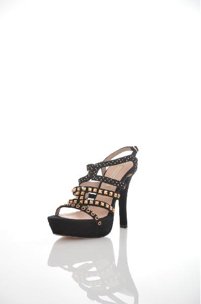 Сандалии PURA L?PEZЖенская обувь<br>Цвет: черный<br> Состав: Кожа<br> Детали: замша, аппликации из металла, одноцветное изделие, пряжка, скругленный носок, кожаная подошва, каблук-стилет, обтянутый каблук<br> Каблук: 13.5 см<br> Высота платформы: 3.5 см<br> Страна: Испания<br><br>Высота каблука: 13.5 см<br>Высота платформы: 3.5 см<br>Материал: Натуральная кожа<br>Сезон: ЛЕТО<br>Коллекция: Весна-лето<br>Пол: Женский<br>Возраст: Взрослый<br>Цвет: Черный<br>Размер RU: 38