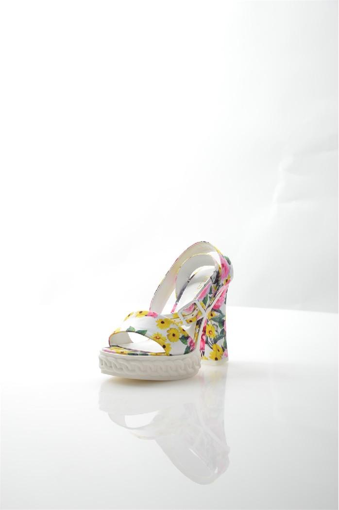 Босоножки ELSIЖенская обувь<br>Детали: цветочный принт, открытый мыс и пятка, ремешок через пальцы, фиксирующий ремешок вокруг лодыжки с застежкой на пряжке, толстый каблук, рельефная платформа.<br> <br> Материал верха текстиль<br> Внутренний материал искусственная кожа<br> Материал стельки искусственный материал<br> Материал подошвы полимер<br> Высота каблука 12 см<br> Высота платформы 3 см<br> Цвет мультиколор<br> Сезон Лето<br> Стиль Повседневный<br> Коллекция Весна-лето<br> <br> Страна: Италия<br><br>Высота каблука: 12 см<br>Высота платформы: 3 см<br>Материал: Текстиль<br>Сезон: ЛЕТО<br>Коллекция: Весна-лето<br>Пол: Женский<br>Возраст: Взрослый<br>Цвет: Разноцветный<br>Размер RU: 38