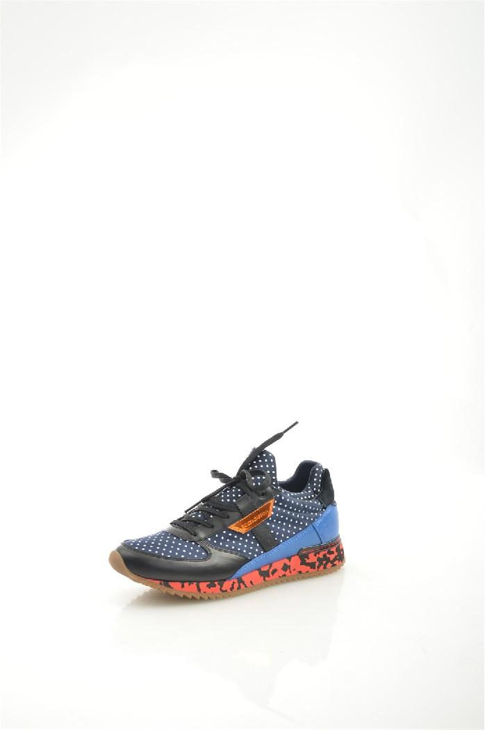 Кроссовки Dolce &amp; GabbanaЖенская обувь<br>Цвет: синий<br> Материал верха: текстиль; кожа натуральная<br> Материал подкладки: текстиль<br> Материал стельки: кожа натуральная<br> Материал подошвы: искусственный материал, рифленая<br> Сезон: весна - осень<br> Уход за изделием: деликатная ручная чистка<br> <br> Страна дизайна: Италия<br> Страна производства: Италия<br><br>Материал: Натуральная кожа<br>Сезон: МУЛЬТИ<br>Коллекция: Весна-лето<br>Пол: Женский<br>Возраст: Взрослый<br>Цвет: Черный<br>Размер RU: 38
