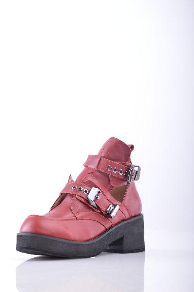 Ботинки JEFFREY CAMPBELLЖенская обувь<br>Без аппликаций, одноцветное изделие, пряжка, скругленный носок, резиновая подошва, квадратный каблук, каблук из резины.<br>Высота каблука: 7 см<br>Высота платформы: 2.5 см<br>Объём голени: 25 см<br>Высота голенища / задника: 12 см<br>Страна: США<br><br>Высота каблука: 7 см<br>Высота платформы: 2.5 см<br>Объем голени: 25 см<br>Высота голенища / задника: 12 см<br>Материал: Натуральная кожа<br>Сезон: ВЕСНА/ОСЕНЬ<br>Коллекция: Осень-зима<br>Пол: Женский<br>Возраст: Взрослый<br>Цвет: Красно-коричневый<br>Размер RU: 38