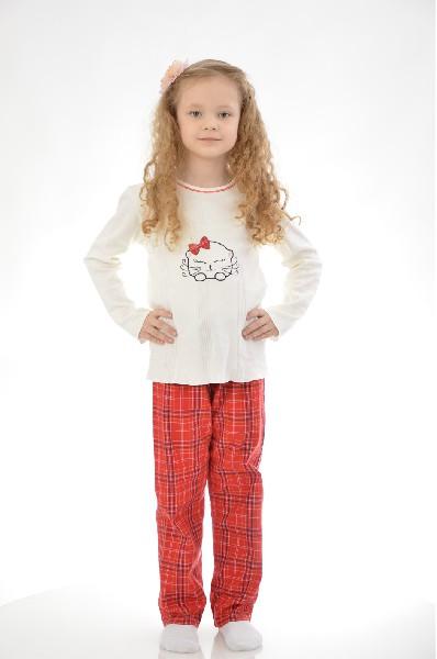 Пижама BlackSpadeОдежда для девочек<br>Цвет: красный, молочный<br> <br> Состав: хлопок 75%, полиэстер 25%<br> <br> Удобная хлопковая пижама, состоящая из лонгслива и брюк на эластичном поясе. Изделия выполнены в практичной расцветке. Модель оформлена симпатичным рисунком. Длина кофточки по спинке ок. 50 см.<br> <br> Вид застежки Завязки<br> Длина рукава Длинные, 43.0 см<br> Габариты предметов Длина, 75.0 см<br> Брюки (шорты) Ширина брючин, 20.0 см<br> Брюки (шорты) Высота посадки, 20.0 см<br> Брюки (шорты) Длина по внутреннему шву, 65.0 см<br> Сезон круглогодичный<br> Пол Детский<br> Страна Нидерланды<br><br>Материал: Хлопок<br>Сезон: МУЛЬТИ<br>Коллекция: Весна-лето<br>Пол: Женский<br>Возраст: Детский<br>Цвет: Разноцветный<br>Размер Height: 140